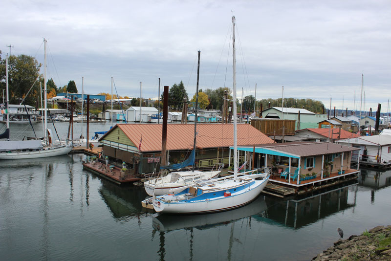 MOORAGES ⋆ Portland Floating Homes